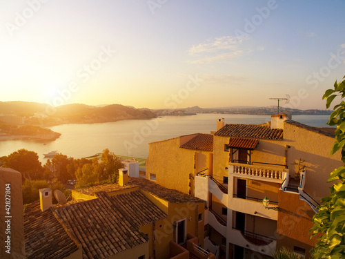 Foto-Flächenvorhang - Sunrise at Paguera Beach, Majorca, Spain (von SOMATUSCANI)