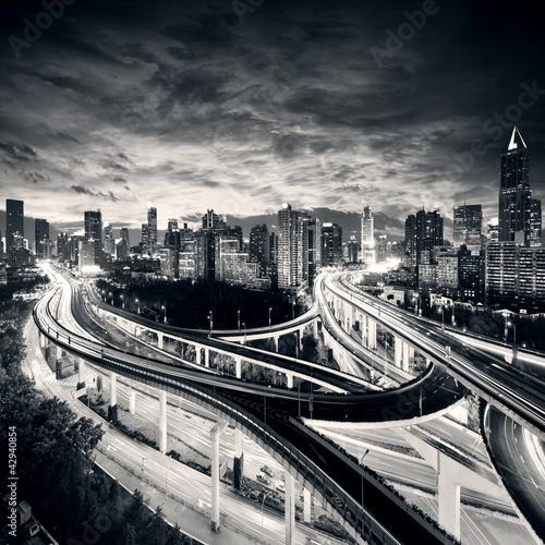 shanghai-city-o-zachodzie-slonca-z-lekkich-szlakow