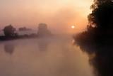 Bug we mgle o świcie