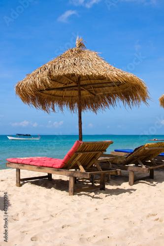 Cadres-photo bureau Tunisie Sun loungers with an umbrella