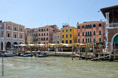 Foto auf AluDibond Stadt am Wasser Market on the Grand Canal, Venice, Italy