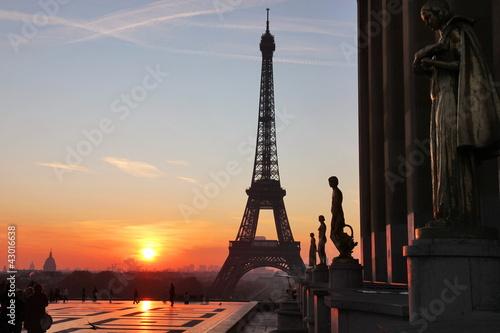Photo tour eiffel view during sunrise