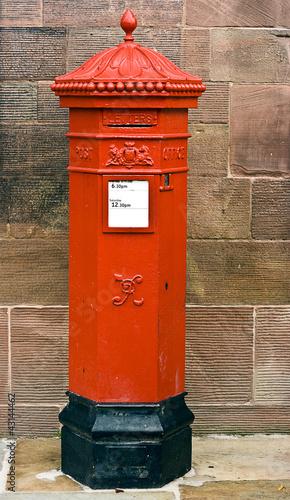 Photo British Victorian Hexagonal Royal Mail Postbox.