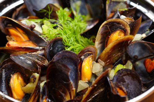 Fotobehang Schaaldieren mussels with lemon