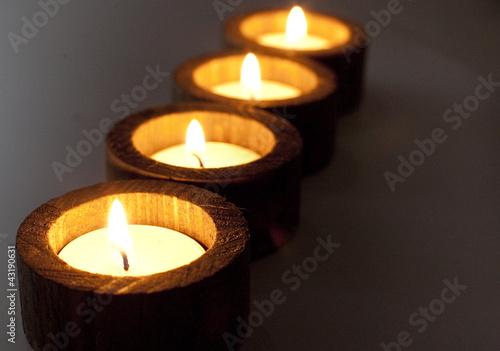 Fotografie, Obraz  bougies simplicité en bois