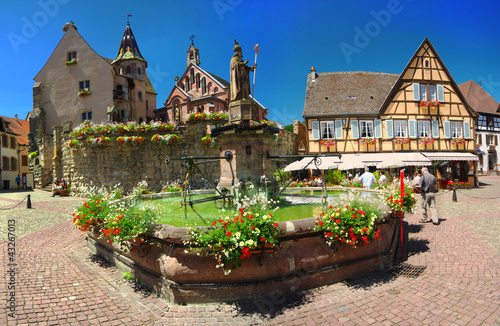 Cadres-photo bureau Marron chocolat Village d'Eguisheim ,Alsace (Fr).