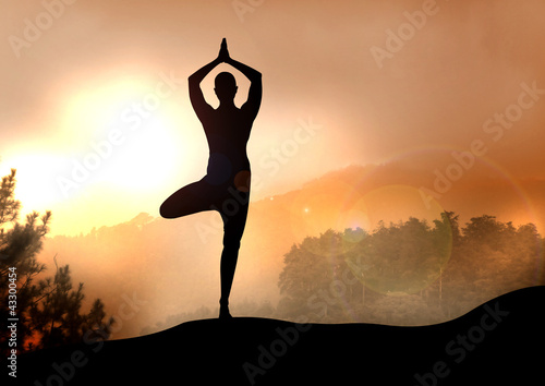 Staande foto School de yoga Stock Illustration of Yoga on Mountain