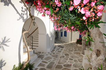 Panel Szklany Small backstreet on Amorgos island, Greece