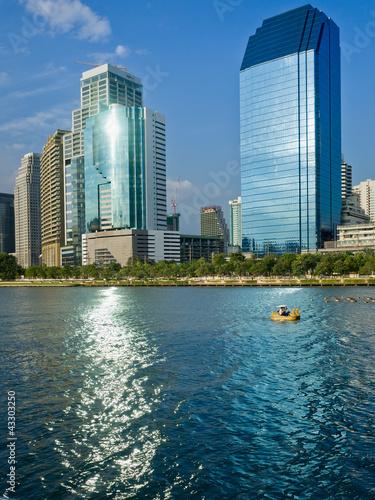 Foto op Plexiglas Chicago General Building and Blue sky Light reflect