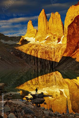 Fotografie, Obraz  Torres del Paine at sunrise