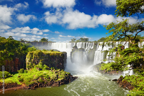 Spoed Foto op Canvas Watervallen Iguassu Falls, view from Argentinian side