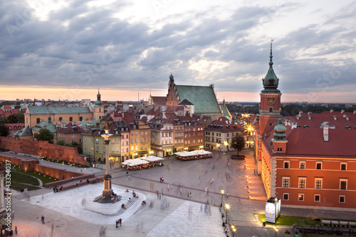 Royal Castle Square in Warsaw old town, at dusk. Poland - 43324037