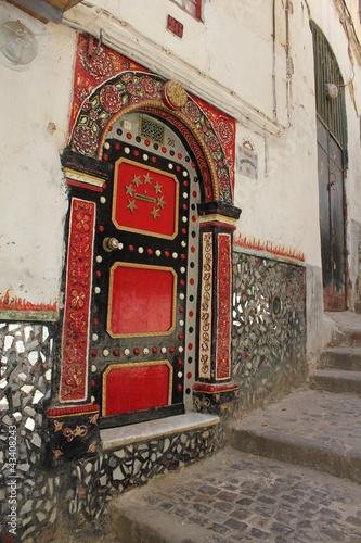 Porte restaurée dans la casbah d'Alger. Tapéta, Fotótapéta