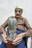 Fototapeta Łazienka - senior woman Cactus