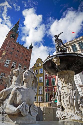 fontanna-neptuna-w-starym-miasteczku-gdanski-polska