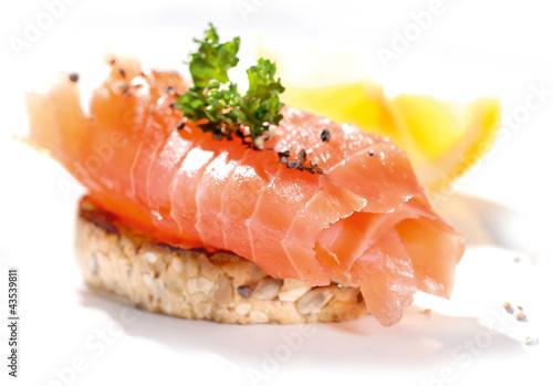 Fototapeta kanapka z łososiem obraz
