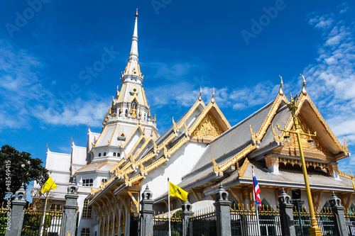 In de dag Bangkok The Sothon temple is the Buddhist faith in Thailand.