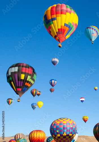 Fényképezés  Colorful Hot Air Balloons on a Sunrise Flight