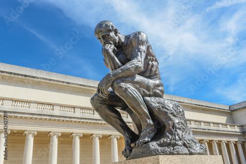 Foto  Rodin Denker Statue