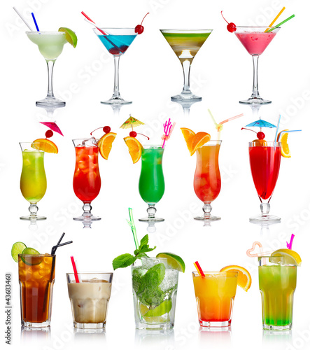 Deurstickers Alcohol Set of alcohol cocktails isolated on white