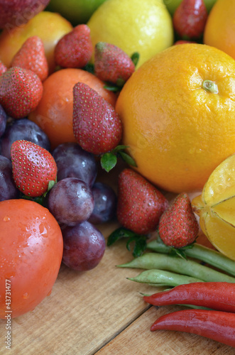 Fresh Fruit & Vegetables Pictures - 43731477