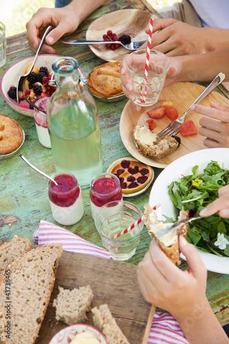 Keuken foto achterwand Picknick Picnic table spread