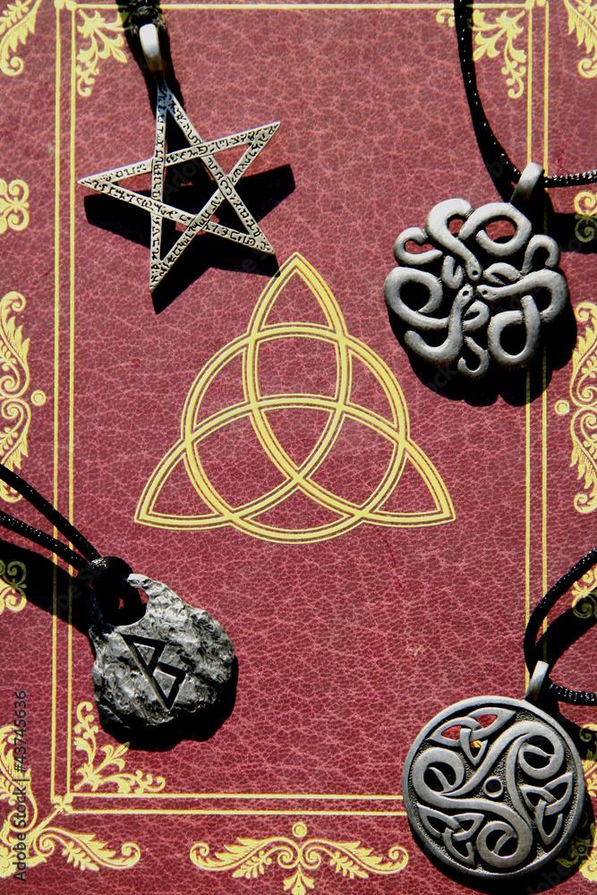 Plissee mit Motiv - Buch der Schatten + Amulette