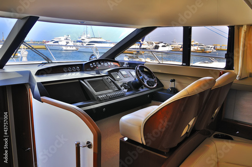 steering wheel yacht