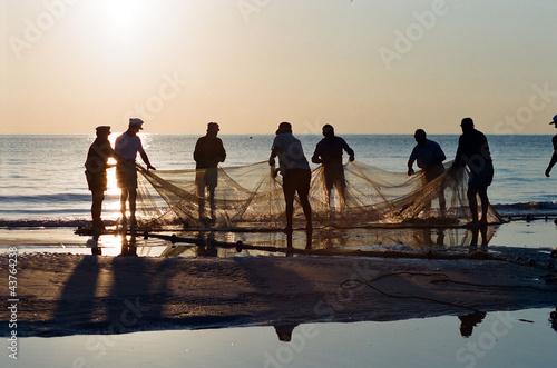 Fotografie, Obraz old fishermen on the beach