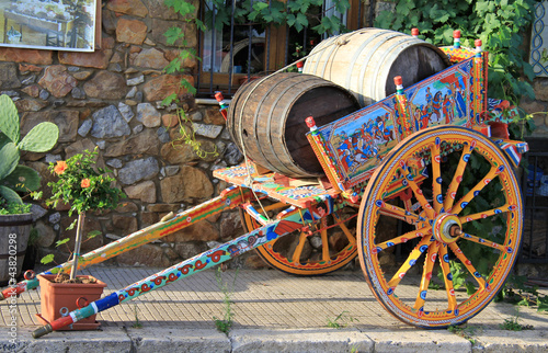 Fototapeta Traditional sicilian cart