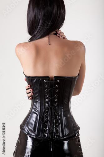 Fotografia Gothic woman embracing herself
