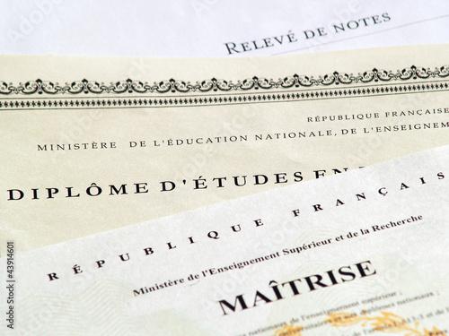 Foto  Études supérieures et Diplômes