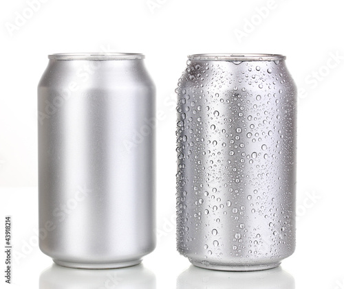 Photo  aluminum cans isolated on white
