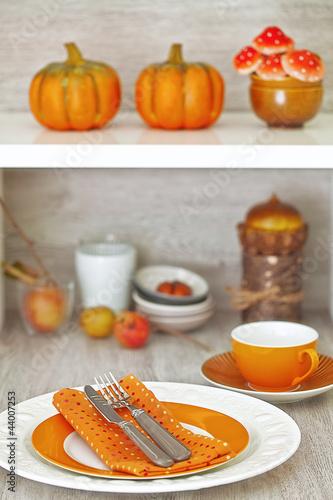 Herbstlich gedeckter Tisch © Brigitte Bonaposta
