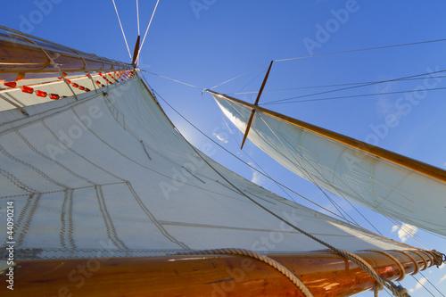 Papiers peints Pont Views of the private sail yacht.