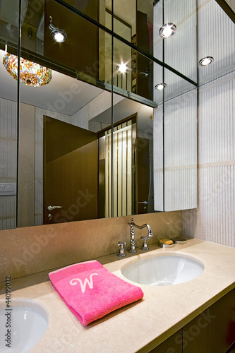 bagno classico con top in marmo - Buy this stock photo and ...