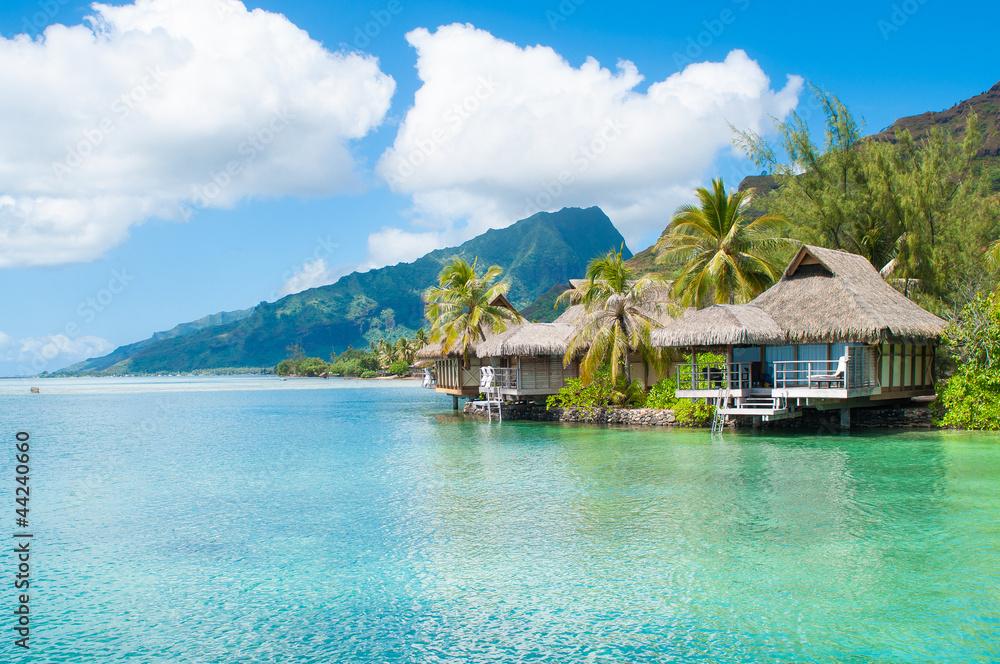 Fototapeta Bungalows in Tahiti