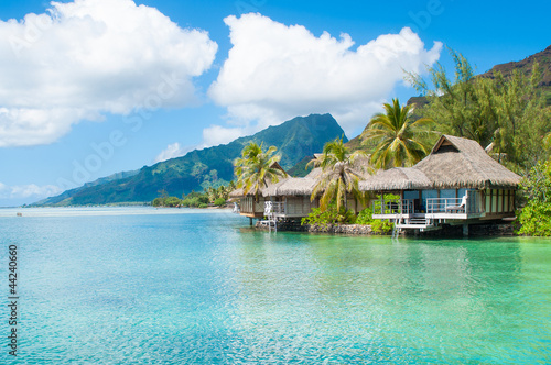 Fototapeta Bungalows in Tahiti