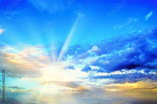 The morning sky and the sea and the sun. Wallpaper Mural