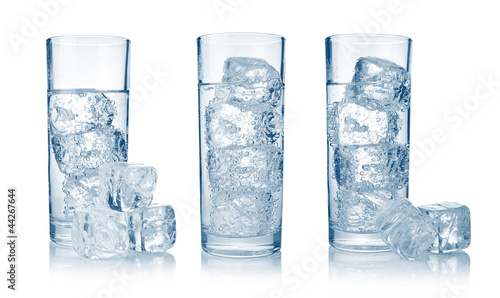 Fototapety, obrazy: Set of glasses with fresh cool carbonated water and ice