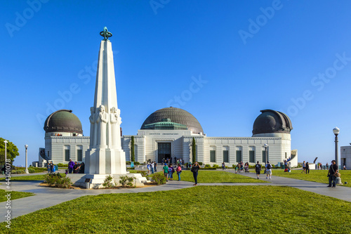 Photo Stands Los Angeles famous Griffith observatory in Los Angeles