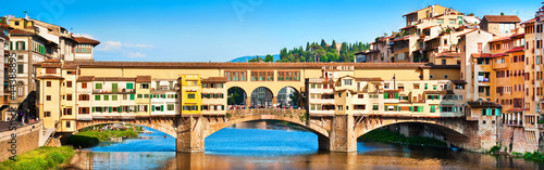 Keuken foto achterwand Florence Panoramic view of Ponte Vecchio at sunset in Florence, Italy