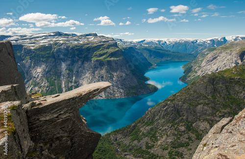 Fotobehang Blauw Trolltunga, Troll's tongue rock, Norway