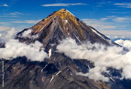 Photo sur Toile Volcan Koryaksky volcano on the Kamchatka Peninsula, Russia.