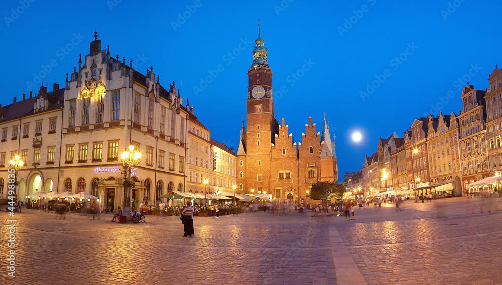 Fototapety, obrazy: Wrocławski rynek przy pełni księżyca