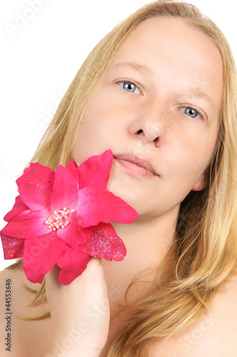 Fotografia  portrait of a pretty blonde woman with flower