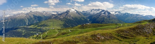 Obraz na plátně view from Kitzbuheler Alpen to gerlospass