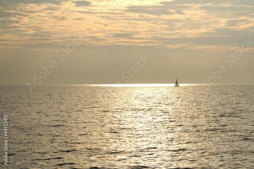 Staande foto Zeilen Sailing Brinze Sea