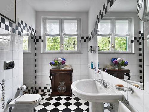 Bagno Moderno Bianco E Nero.Bagno Moderno In Bianco E Nero Buy This Stock Photo And Explore