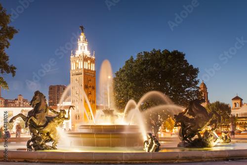 Fotografiet Kansas City Missouri Fountain at Country Club Plaza